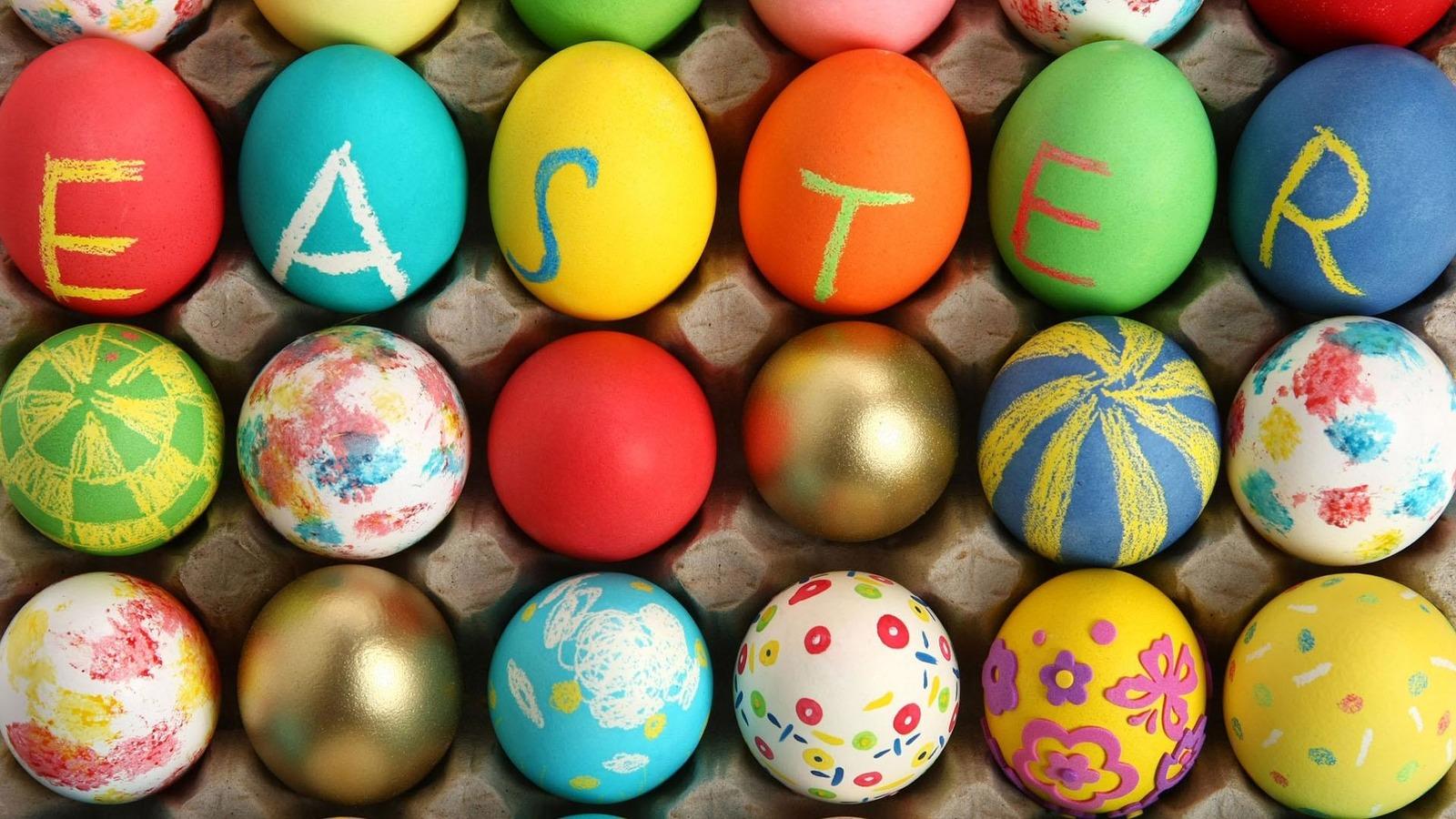Катание яиц и милые кролики: пасхальные традиции в Англии